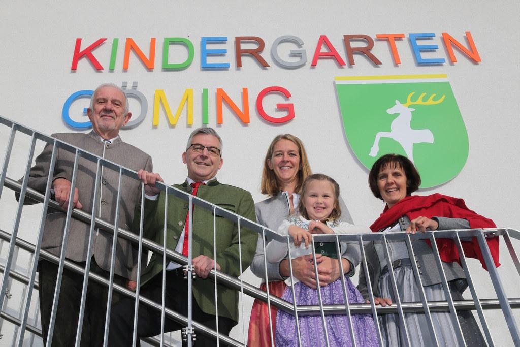 Eröffnung des Kindergarten Göming bei Oberndorf: Bgm. Werner Fritz, LR Josef Sch..