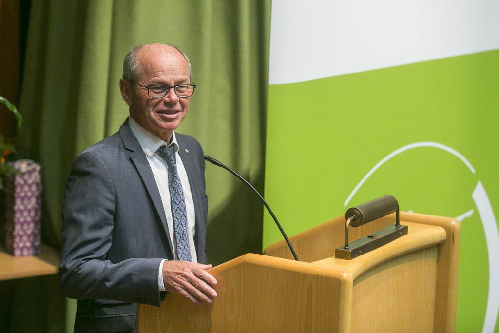 LH-Stv. Christian Stöckl gratulierte zum Jubiläum.