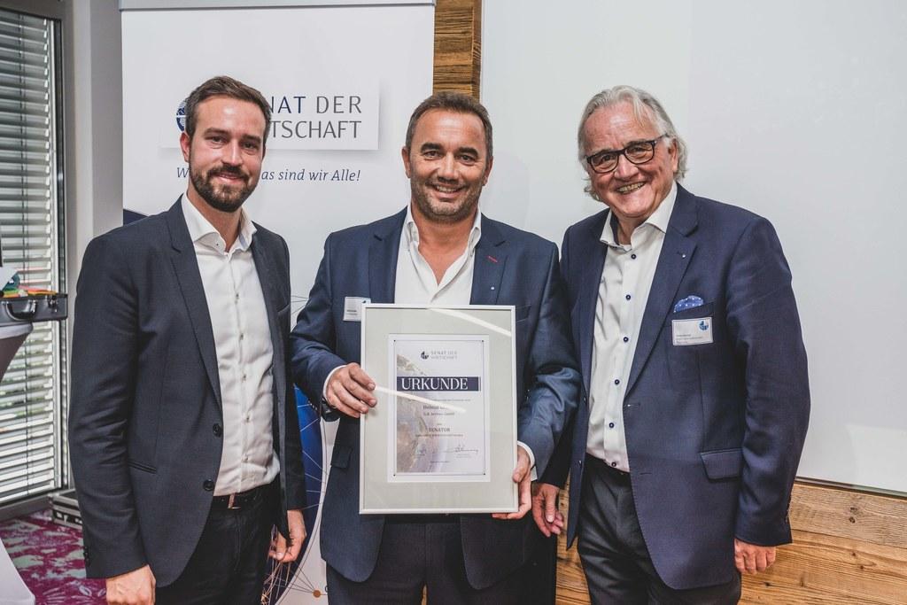 LR Stefan Schnöll, Helmut Gruber (GF und Inhaber G.A. Service GmbH) und Hans Har..