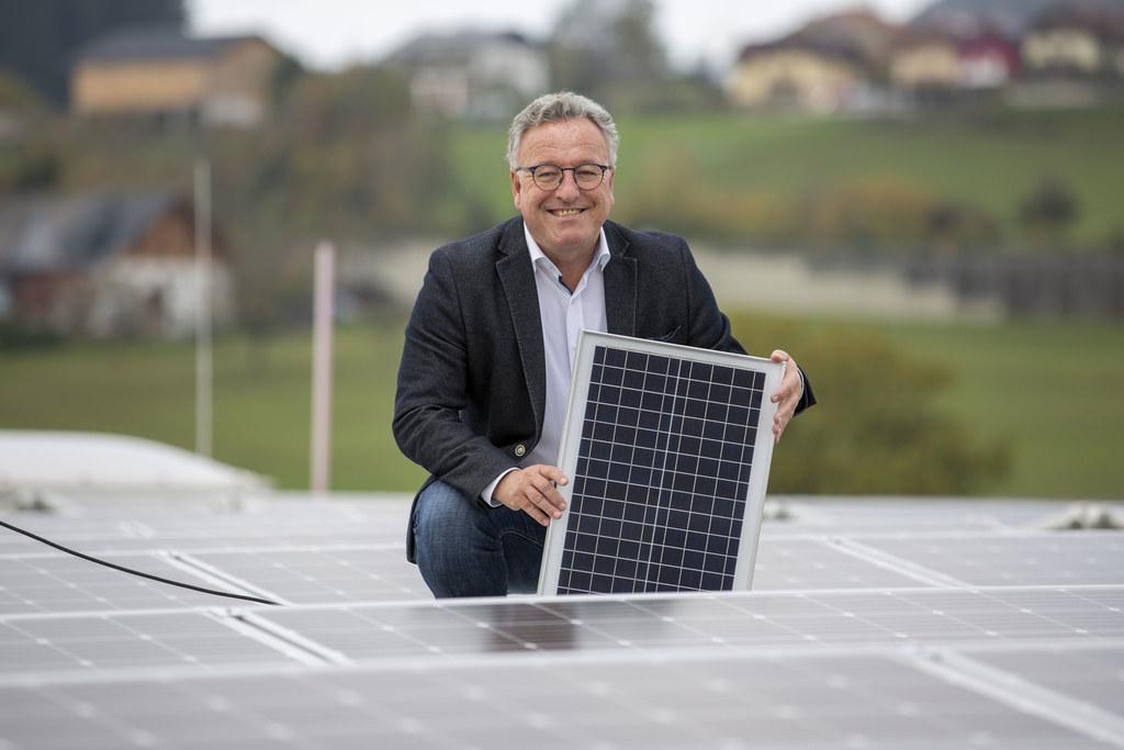 """LH-Stv. Heinrich Schellhorn: """"Das Land fördert jetzt PV-Anlagen gemeinsam mit dem Bund."""""""