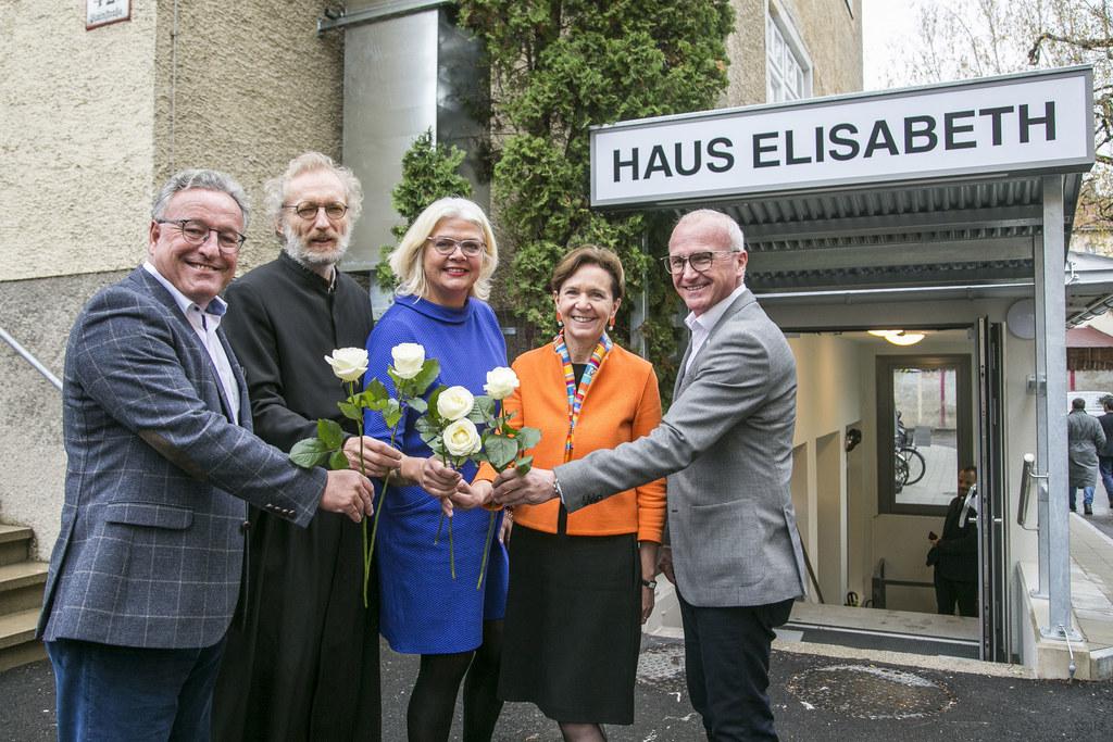 LH-Stv. Heinrich Schellhorn, Heinrich Wagner, Pfarrer der Stadtpfarre St. Elisab..