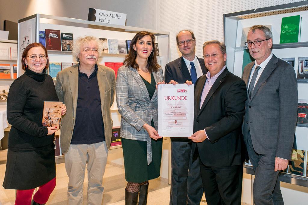 Verleihung des Buchpreises der Salzburger Wirtschaft an Verleger Arno Kleibel (v..