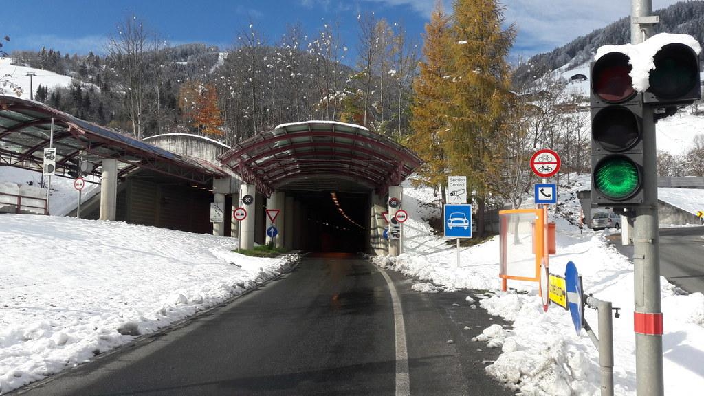 Rund 60 Millionen Euro werden in den nächsten Jahren in den Schmittentunnel und ..