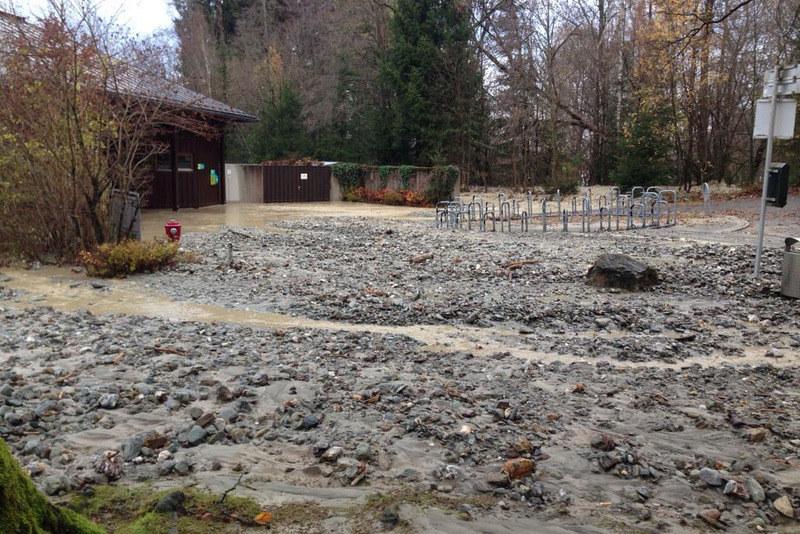 Bis zu 1.000 Anträge auf finanzielle Hilfe nach den Murenschäden im November - wie hier in Thumersbach - werden erwartet.