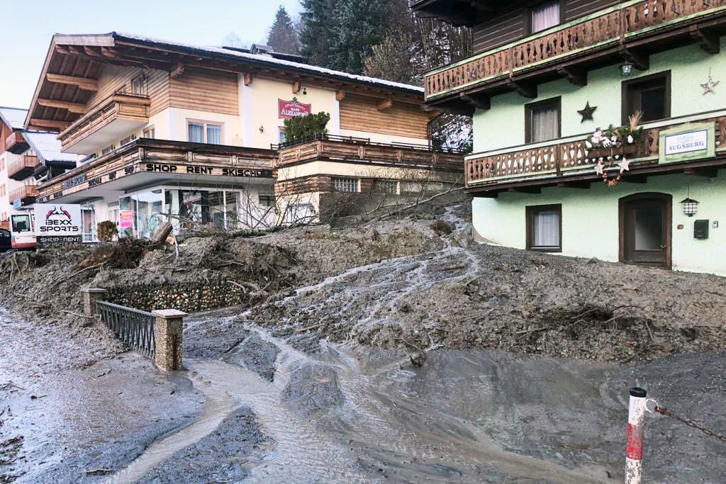 Schäden wie diese nach einem Murenabgang  in Saalbach sind in allen Gebirgsgauen entstanden.
