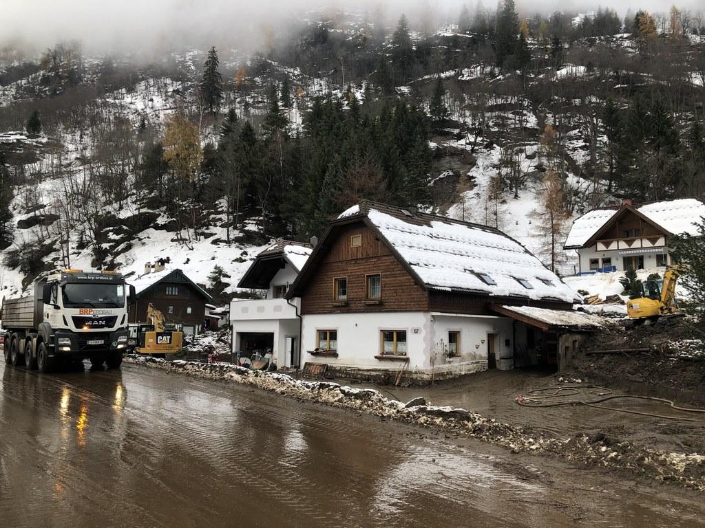 So sah es am 19. November 2019 in Muhr im Lungau aus: Aufräumarbeiten nach Murenabgängen durch die starken Regenfälle.