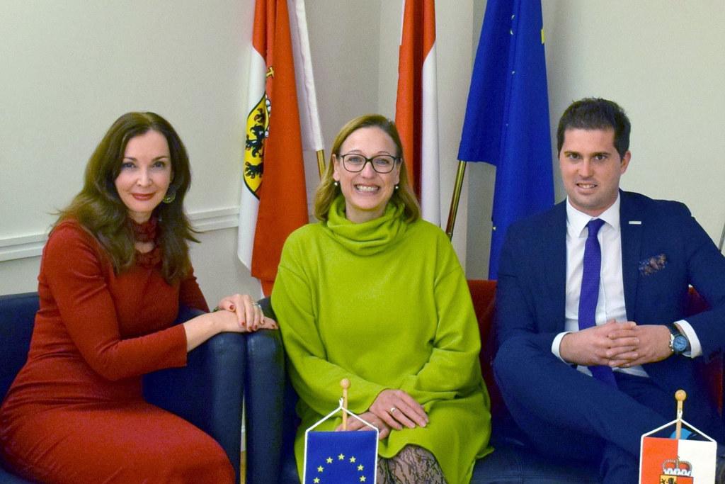 Die Salzburger EU-Gemeinderäte Nathalie Baumann (St. Johann) und Jurica Mustac (..