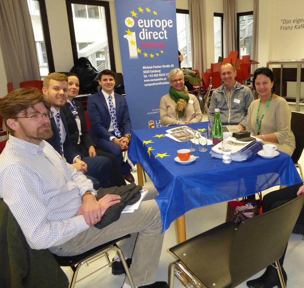 """Schüler im richtigen Umgang mit """"Fake News"""" begleiten und für EU-Themen begeiste.."""