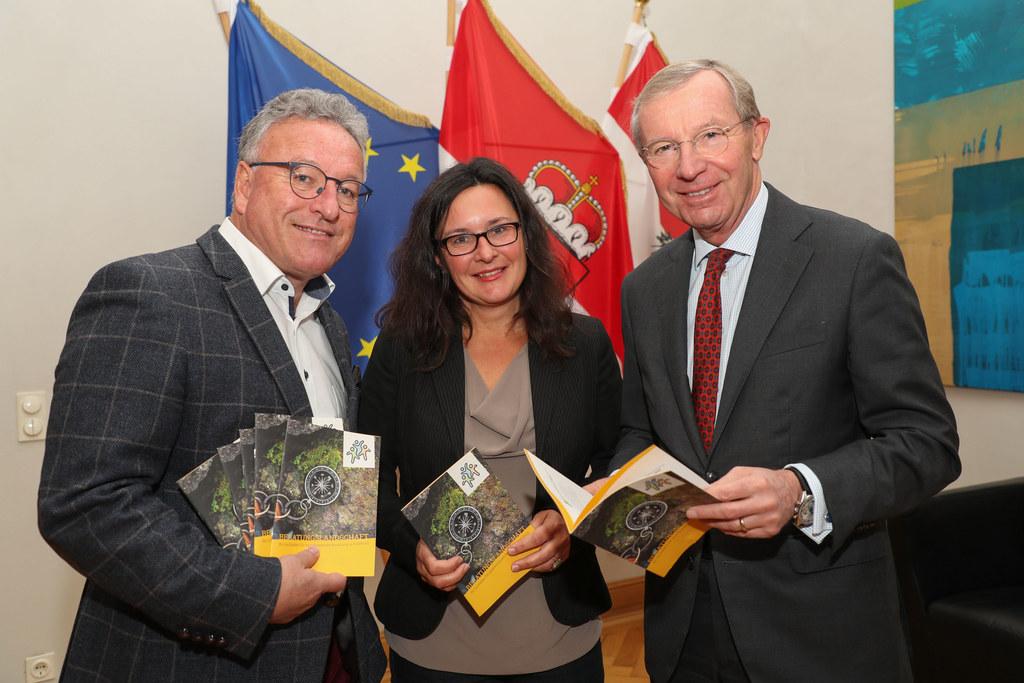 LH-Stv. Heinrich Schellhorn, Initiatorin Christine Seemann und LH Wilfried Hasla..