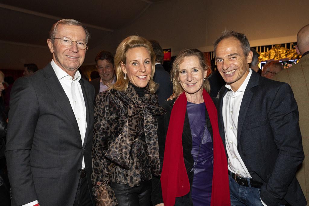 Bei der Eröffnung des Winterfests und der Premiere von Cirque Alfonse mit ihrem ..