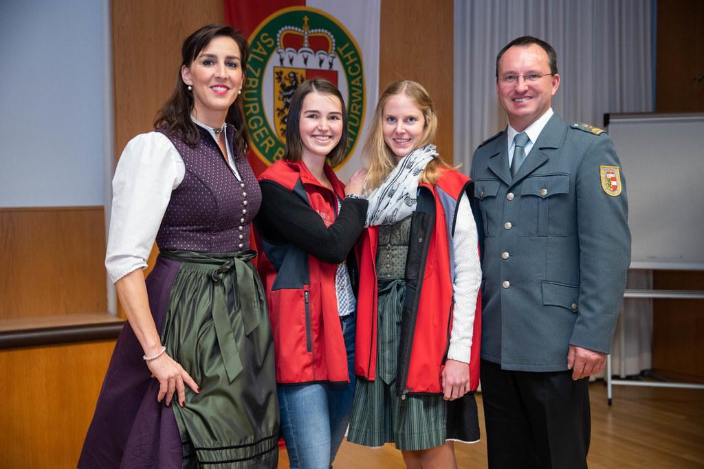 LR Maria Hutter, Lisa Panzenböck, Melanie Rachersberger und Landesleiter Alexand..