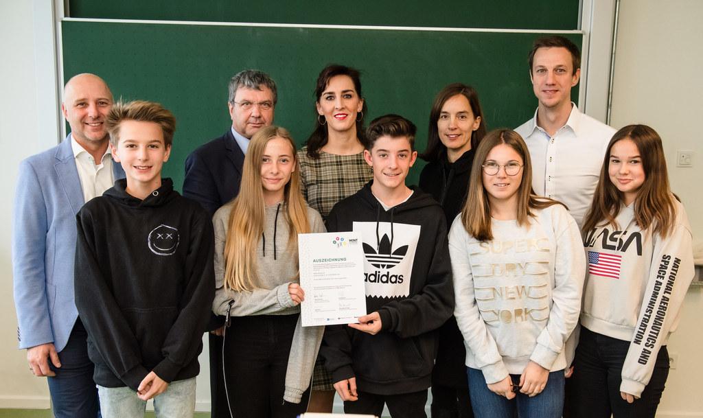 LR Maria Hutter bei der Verleihung des MINT-Gütesiegels an die Neue Mittelschule..