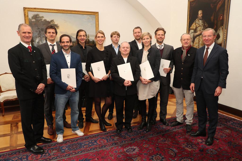 LH Wilfried Haslauer, Präsident Rudolf Wernly und Architekt Franz Seidl mit den ..