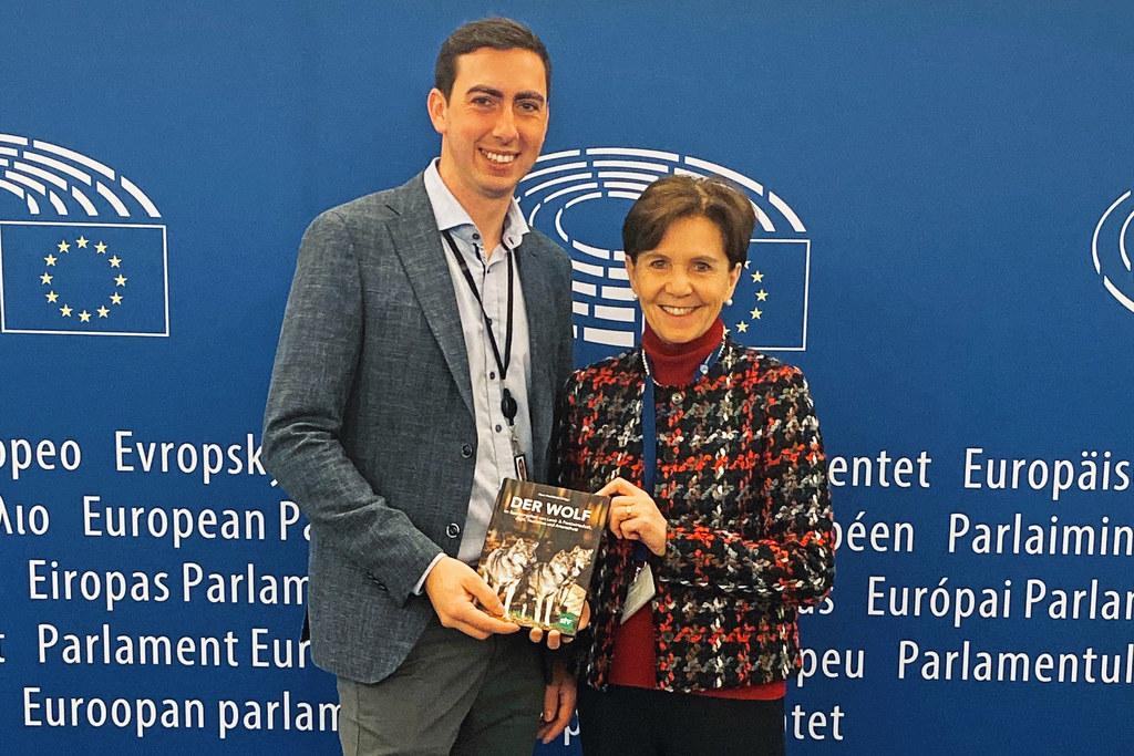 LTP Brigitta Pallauf beim politischen Austausch zum Thema Wolf mit EU-Parlamenta..