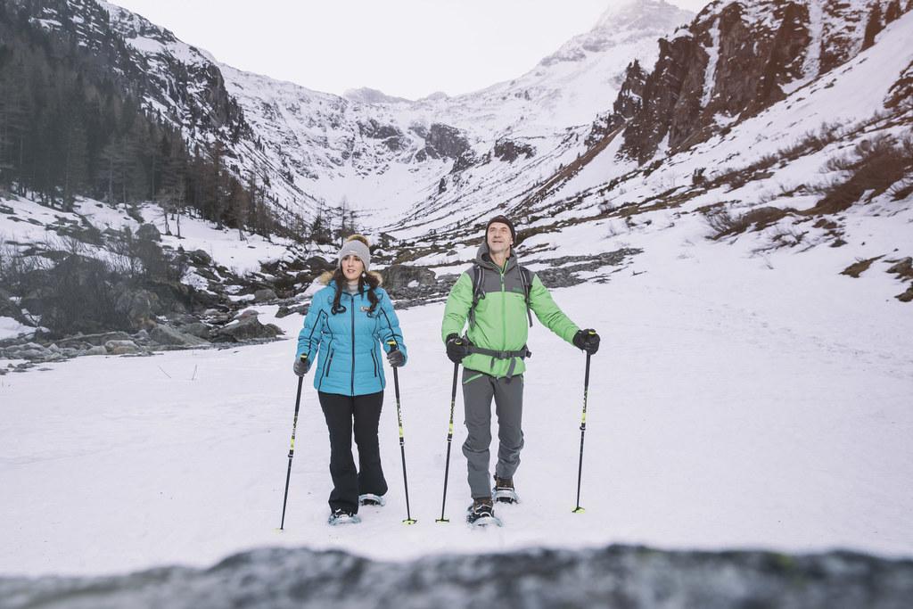 LR Maria Hutter und Nationalparkranger Herbert Hofer im winterlichen Nationalpark.
