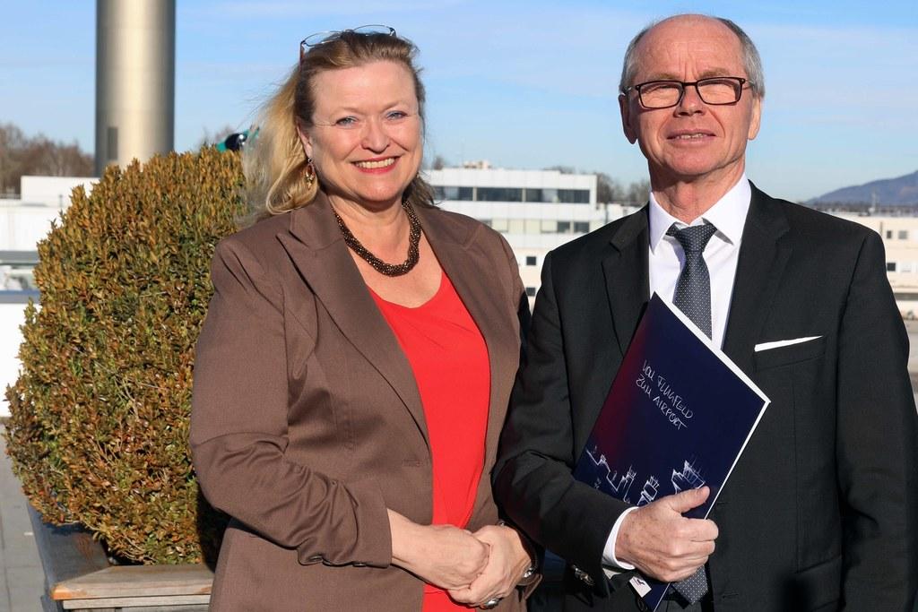 Flughafengeschäftsführerin Bettina Ganghofer und LH-Stv. Christian Stöckl zogen Bilanz und gaben einen Ausblick für 2020.
