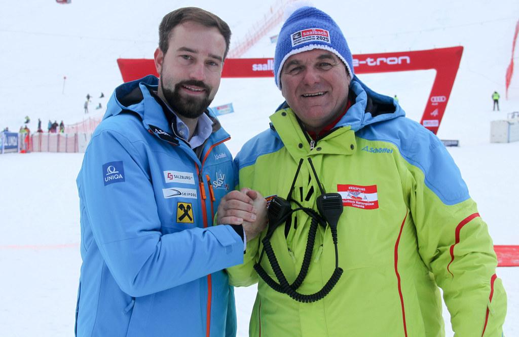 Landesrat Stefan Schnöll und Salzburgs Skipräsident Bartl Gensbichler im Zielbereich des Zwölferkogels, der 2025 zur WM-Piste werden soll.