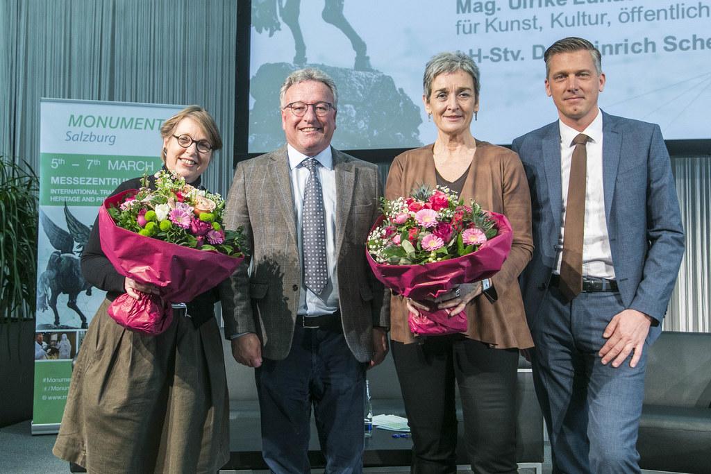Hedwig Kainberger (Leiterin Kulturressort Salzburger Nachrichten), LH-Stv. Heinrich Schellhorn, Staatssekretärin Ulrike Lunacek und Alexander Kribus (Geschäftsführer Messezentrum Salzburg).