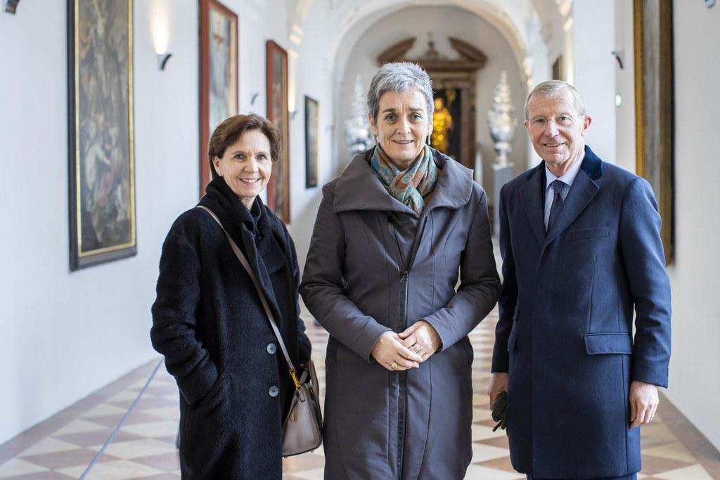 Auch das im DomQuartier stand auf dem  Besuchsprogramm. V.l.: LTP Brigitta Pallauf, Kultur-Staatssekretärin Ulrike Lunacek und LH Wilfried Haslauer