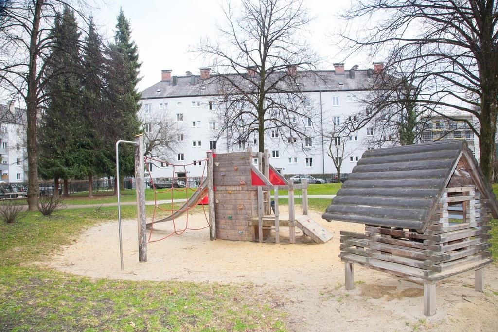 Die Spielplätze sind nun einheitlich im gesamten Bundesland gesperrt. Die Regelung gilt  vorerst befristet bis zum 13. April 2020.