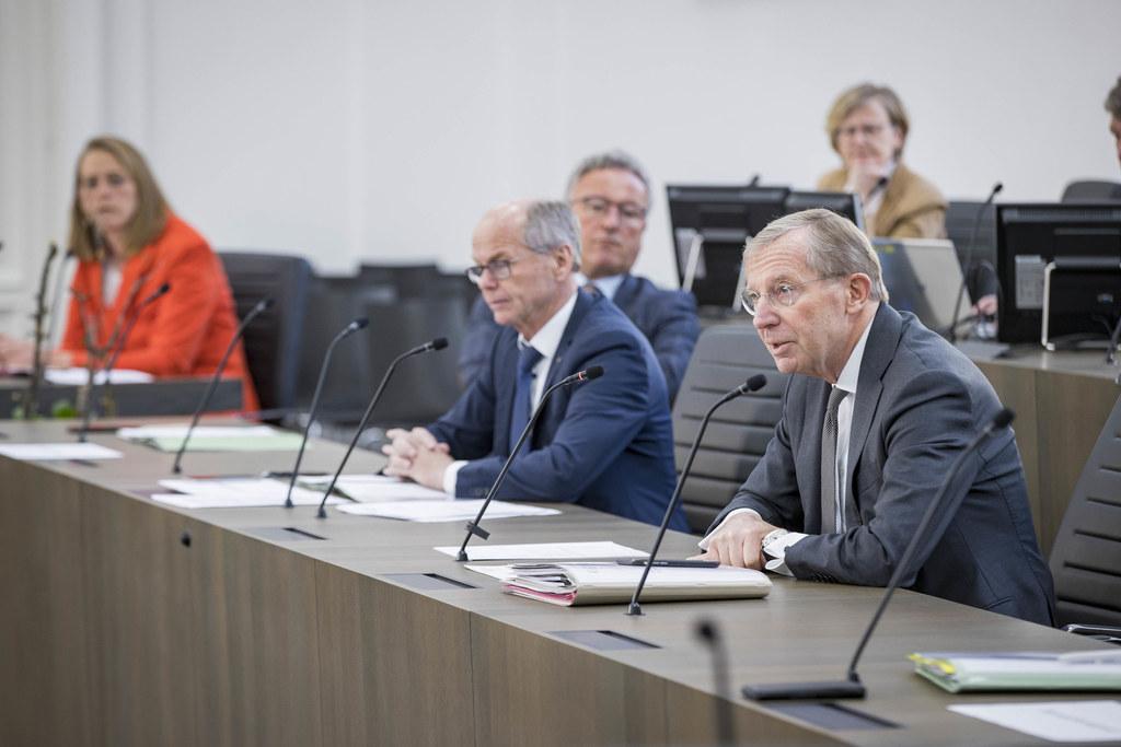 LR Andrea Klambauer, LH-Stv. Heinrich Schellhorn, LH-Stv. Christian Stöckl und LH Wilfried Haslauer stellten die Maßnahmen der Regierung vor.