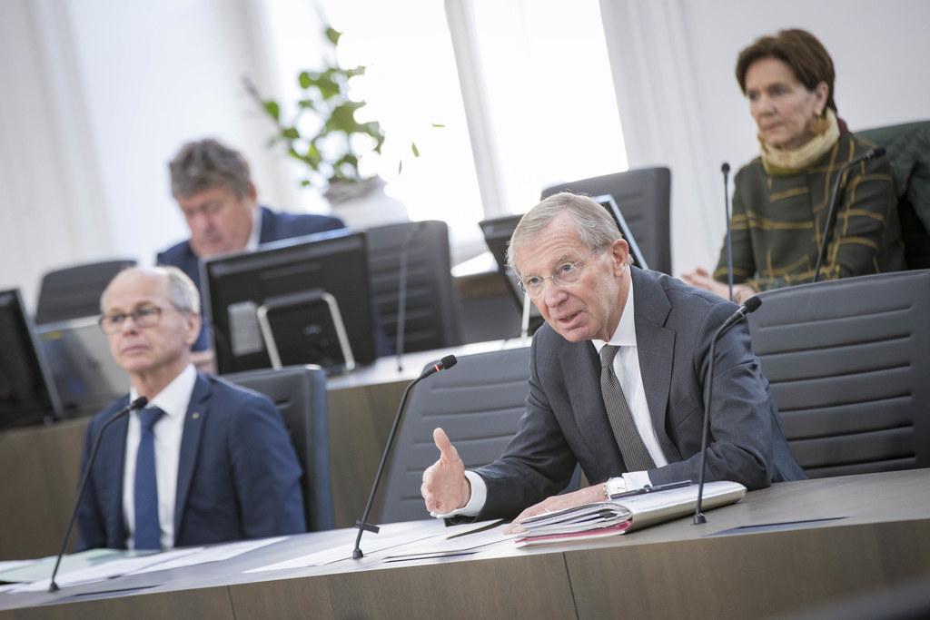 """LH Wilfried Haslauer im Landtag: """"Es wäre unklug, jetzt vorschnell zum gewohnten Alltag zurückzukehren."""""""