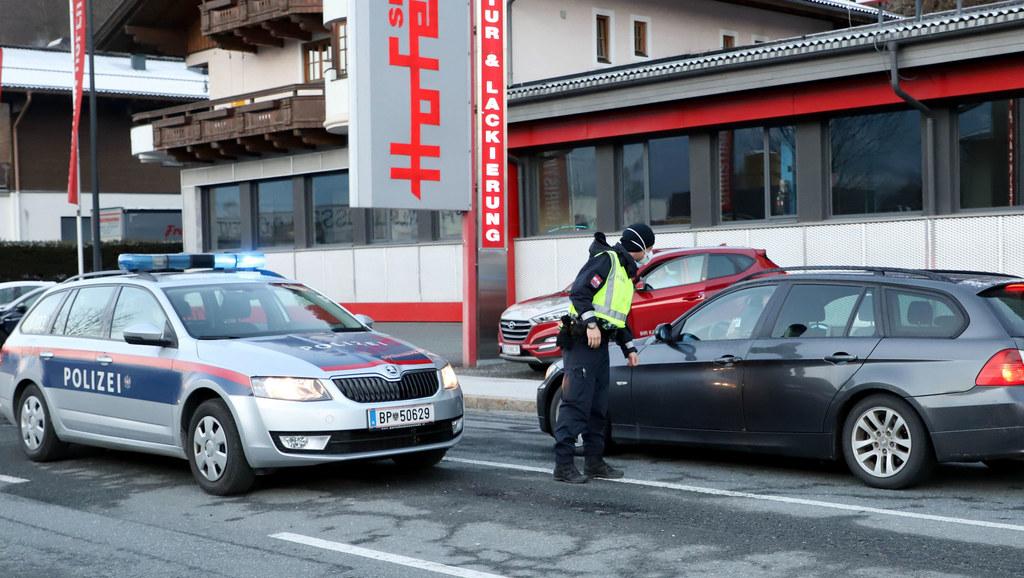 In Zell am See und auch in Saalbach-Hinterglemm, diese Gemeinden stehen seit 31. März bis voraussichtlich Ostermontag unter Quarantäne, wird ab sofort strenger konrolliert. Bezirkshauptmann Bernhard Gratz reagiert damit auf zahlreiche Verstöße.