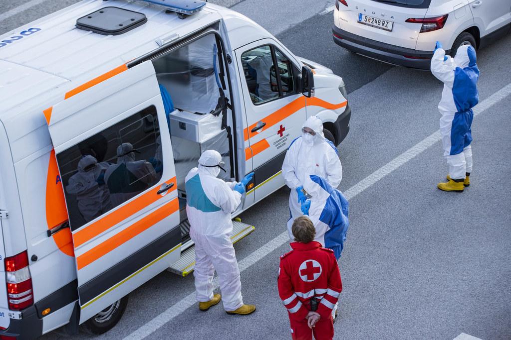 Salzburg unterstützt mit der Übernahme von drei Corona-Intensivpatienten das überlastete französische Gesundheitssystem.