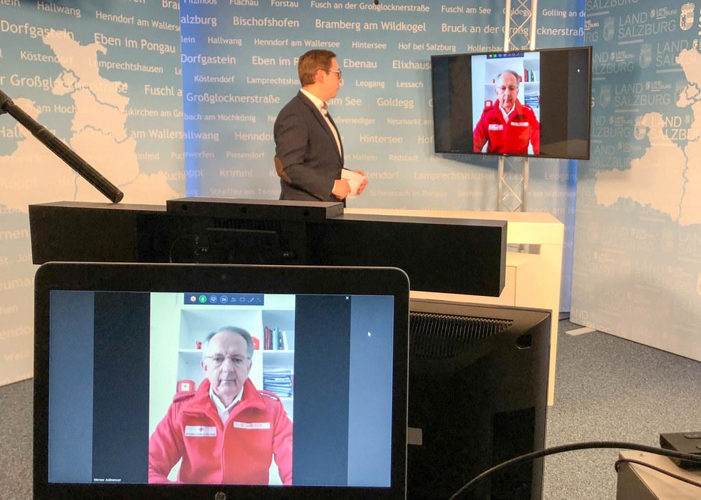 """Werner Aufmesser, Präsident des Roten Kreuzes Salzburg, im Interview mit Chefredakteur Franz Wieser: """"Die schlimmen Wochen stehen uns noch bevor."""""""