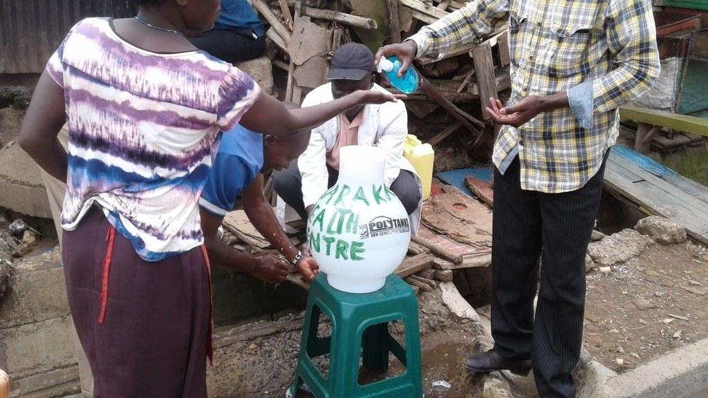 Medizinische Einrichtungen in Afrika werden vom Land Salzburg mit 60.000 Euro unter anderem für den Kauf von Desinfektionsmitteln unterstützt.