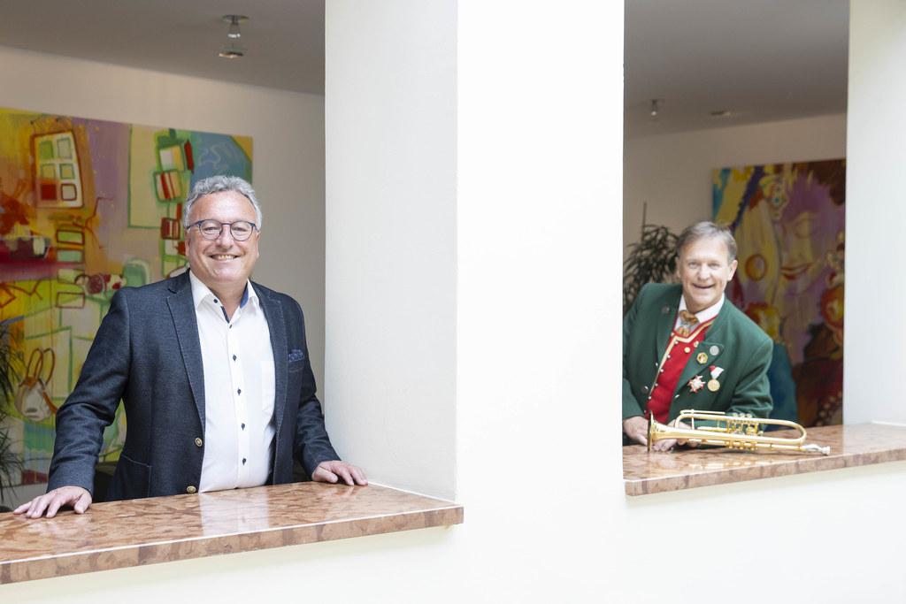 """""""Für Vereine in akuter finanzieller Not haben wir ein Maßnahmenpaket zur Unterstützung geschnürt"""", sagen LH-Stv. Heinrich Schellhorn und Matthäus Rieger, Obmann des Landesverbands der Musikkapellen."""