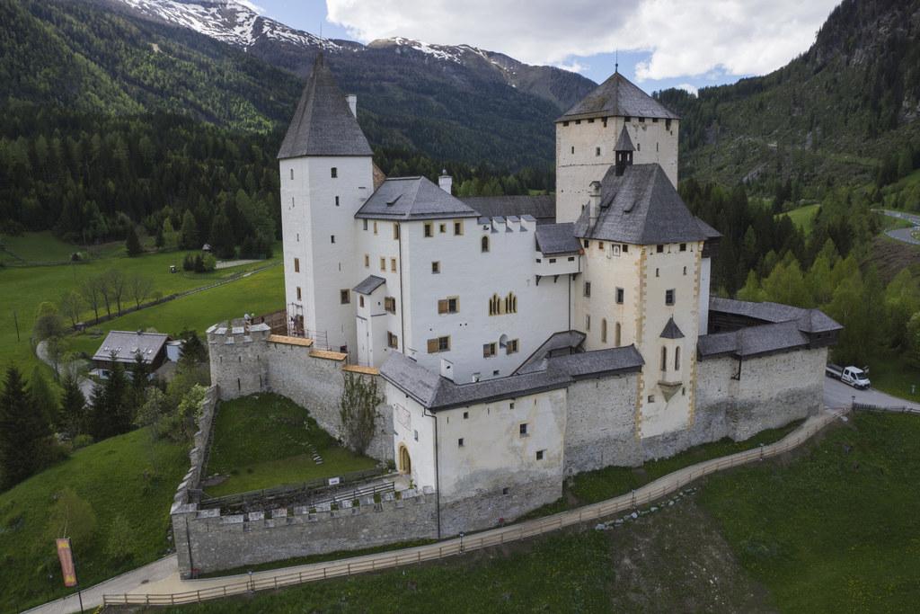 Auf der Burg Mauterndorf wurde die historische Burgkapelle saniert und kann nun seit längerer Zeit wieder besichtigt werden.