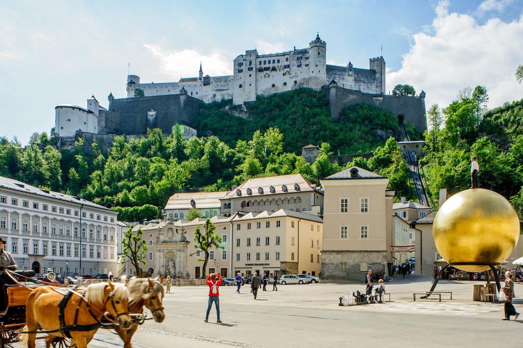 So wie Salzburgs Wahrzeichen, die Festung Hohensalzburg, öffnen auch die Burgen Hohenwerfen und Mauterndorf am 29. Mai wieder ihre Tore für Besucherinnen und Besucher.