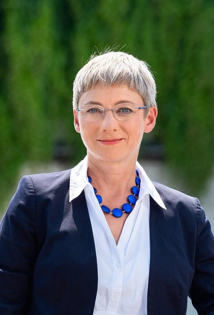 Brigitte Bach, derzeit  Leiterin des Geschäftsbereiches Telekommunikation, Elektromobilität und neue Geschäftsfelder bei der Wien Energie GmbH, soll als zweites Vorstandsmitglied der Salzburg AG  bestellt werden.