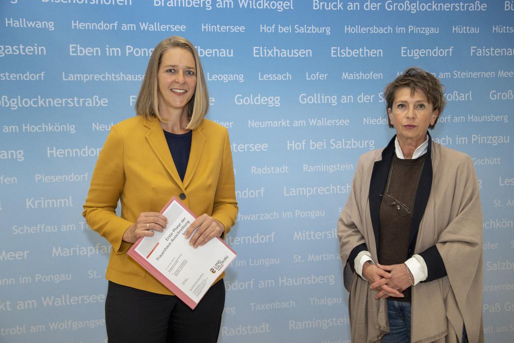 LR Andrea Klambauer und Renée Mader (GF Gewaltschutzzentrum Salzburg) stellten die Prioritäten des Landes beim Gewaltschutz. (Archivbild)