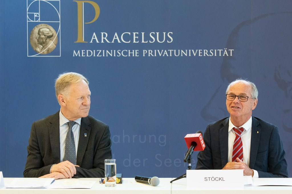 Wolfgang Sperl, neuer PMU-Rektor, und LH-Stv. Christian Stöckl.