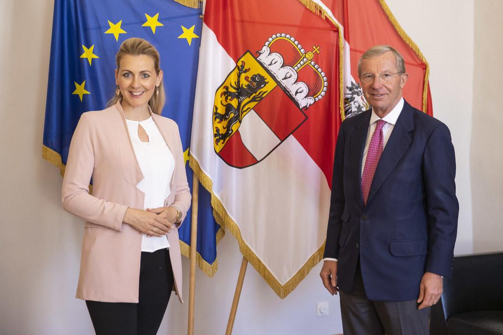 BM Christine Aschbacher stattete LH Wilfried Haslauer einen Arbeitsbesuch ab.