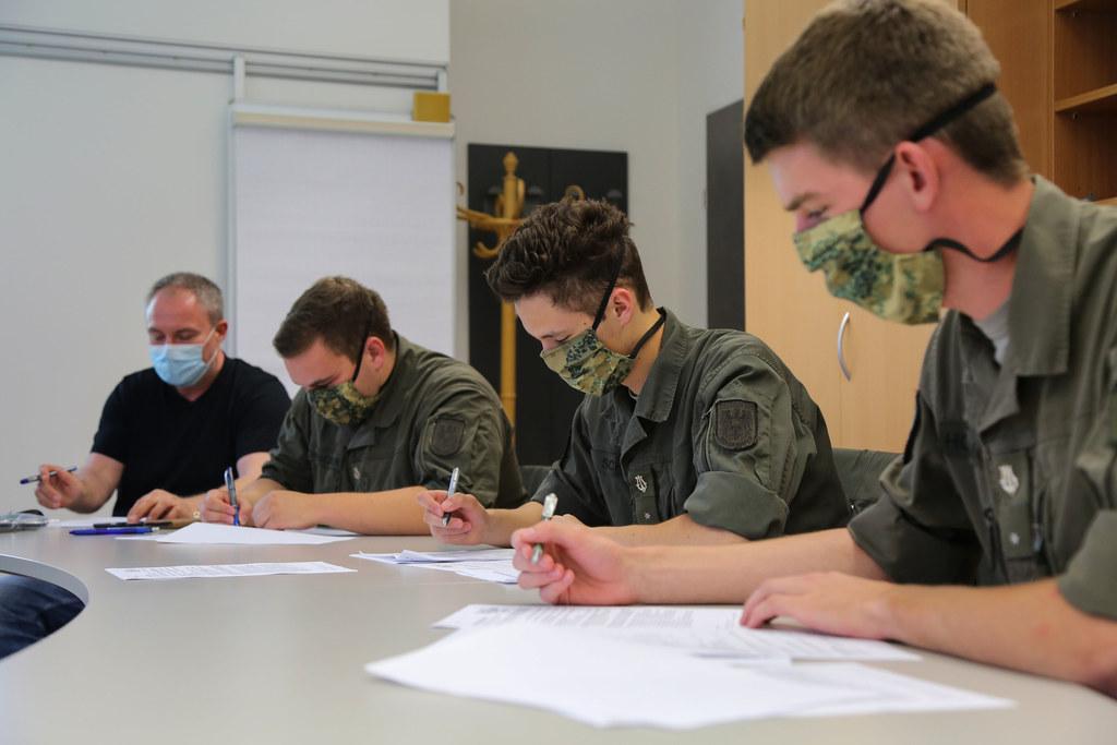 Soldaten des Bundesheeres unerstützen ab sofort die Gesundheitsbehörden in vier Bezirken beim Contact-Tracing. Die Unterbrechung der Infektionskette ist das oberste Ziel.