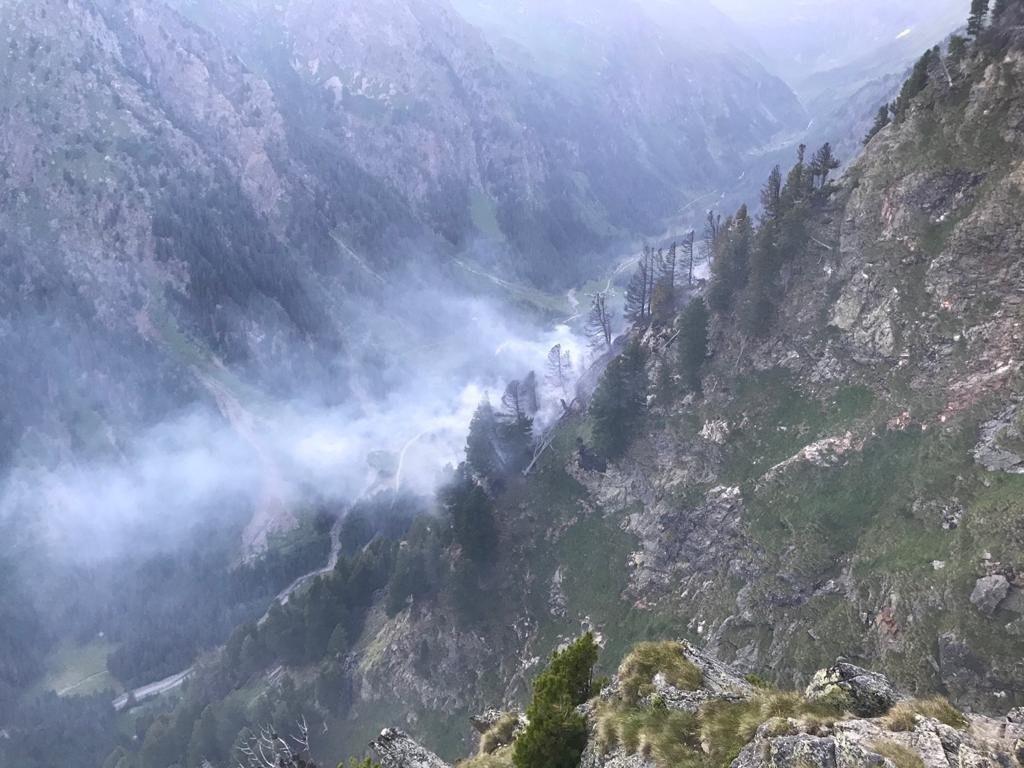 Auf rund 2.000 Metern Seehöhe hat sich am Kasereck in Göriach am Freitag ein Brand ausgebreitet.