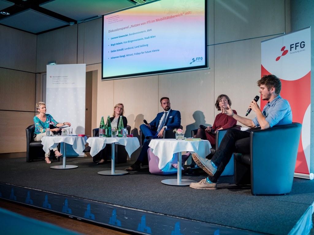 LR Stefan Schnöll bei der Abschlussveranstaltung zur FTI-Strategie für Mobilität in Wien.