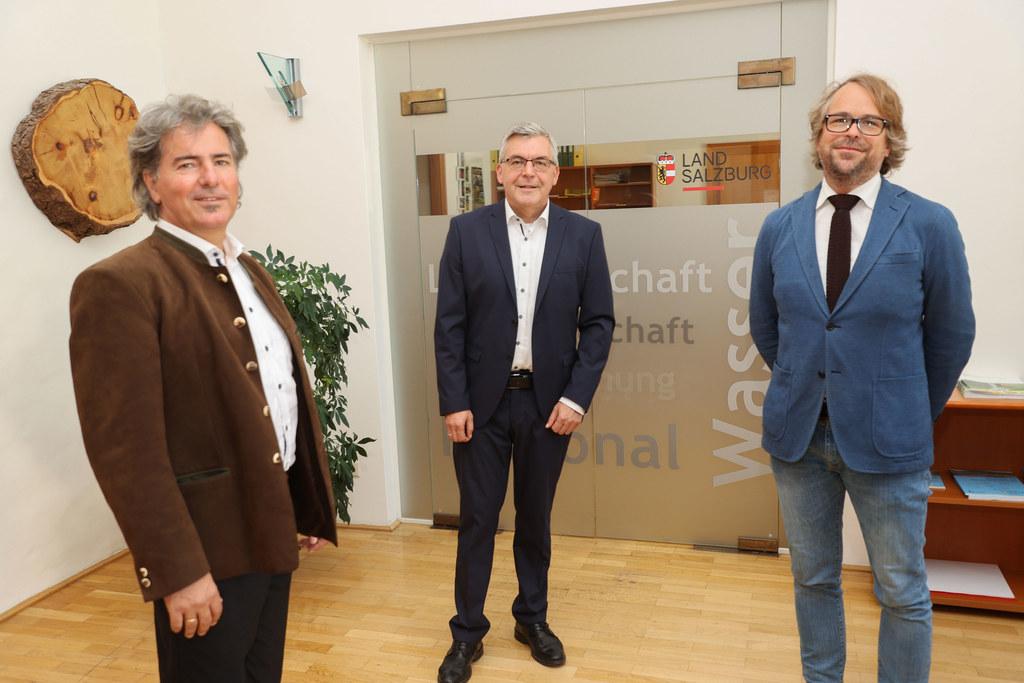 Dekrete für zwei neue Referatsleiter: Alexander Kranabetter (Immissionsschutz), LR Josef Schwaiger und Philipp Weis (Öffentlicher Verkehr und Verkehrsplanung).