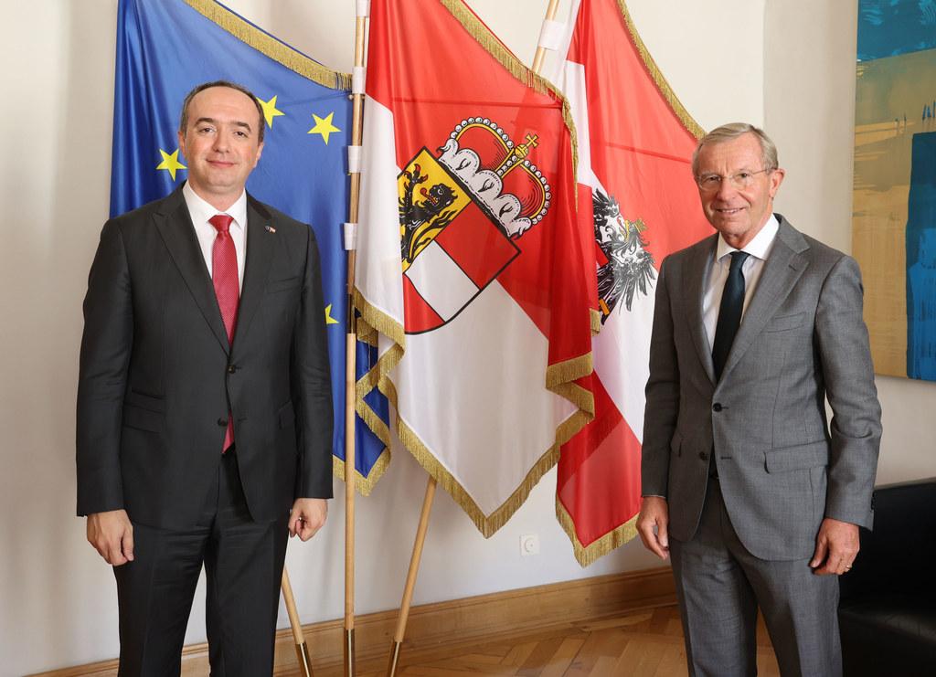 Der Botschafter der Republik Kosovo, Lulzim Pllana zu Besuch bei LH Wilfried Haslauer.