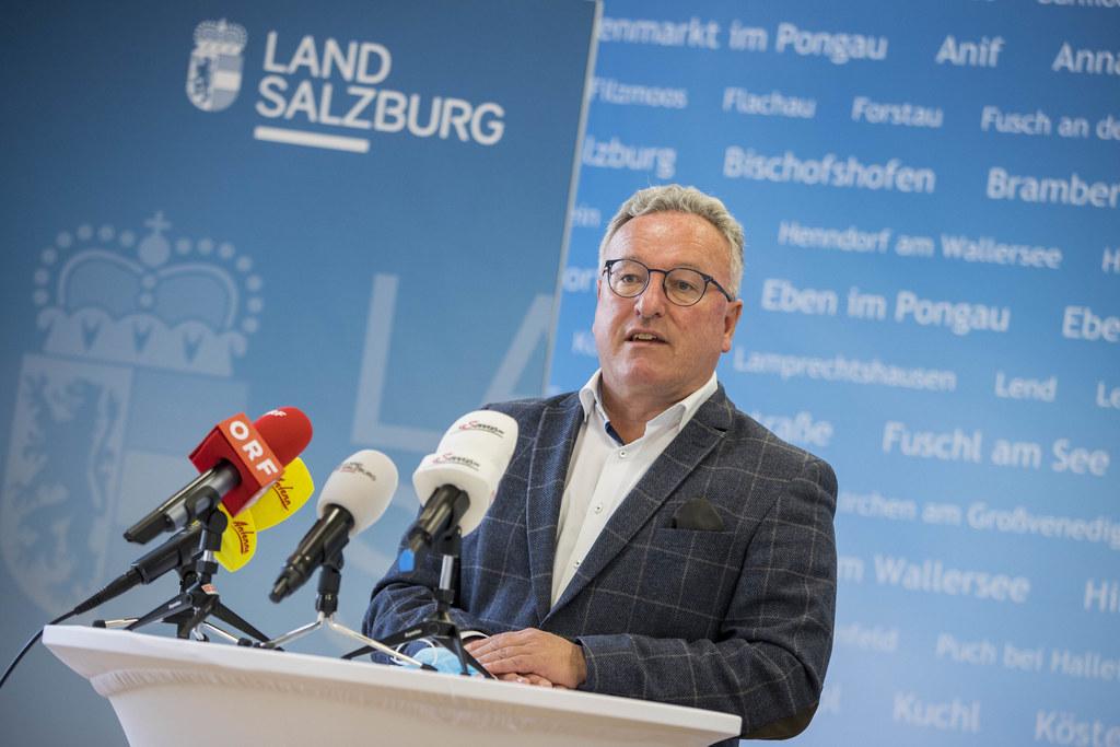 """LHStv. Heinrich Schellhorn hatte einen dringenden Appell an die Bevölkerung: """"Wir müssen alle gemeinsam darauf achten, dass wir die Risikogruppen schützen."""""""