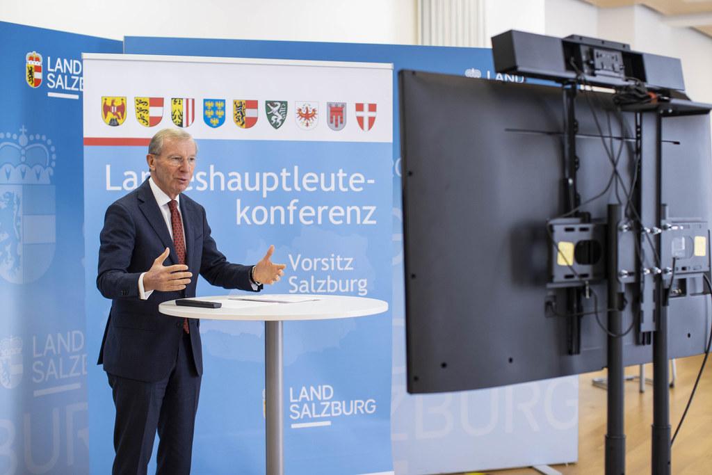 Unter dem Vorsitz von LH Wilfried Haslauer fand am Freitag die Landeshauptleutekonferenz virtuell statt. Bestimmende Themen: Die Bewältigung der Corona-Krise und der Terroranschlag in Wien.