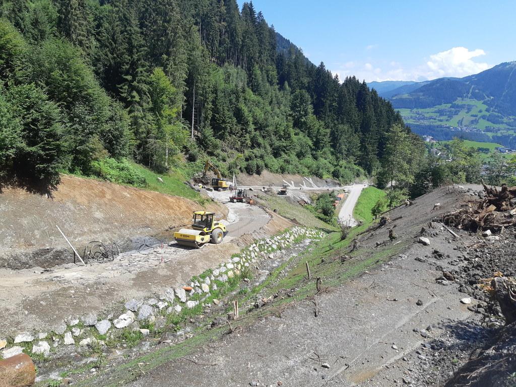 Der Güterweg Pichl-Oberlehen in St. Veit im Pongau wird im Rahmen des FELS-Erneuerungsprogramms ausgebaut. Hier werden insgesamt 1.400.000 Euro investiert.