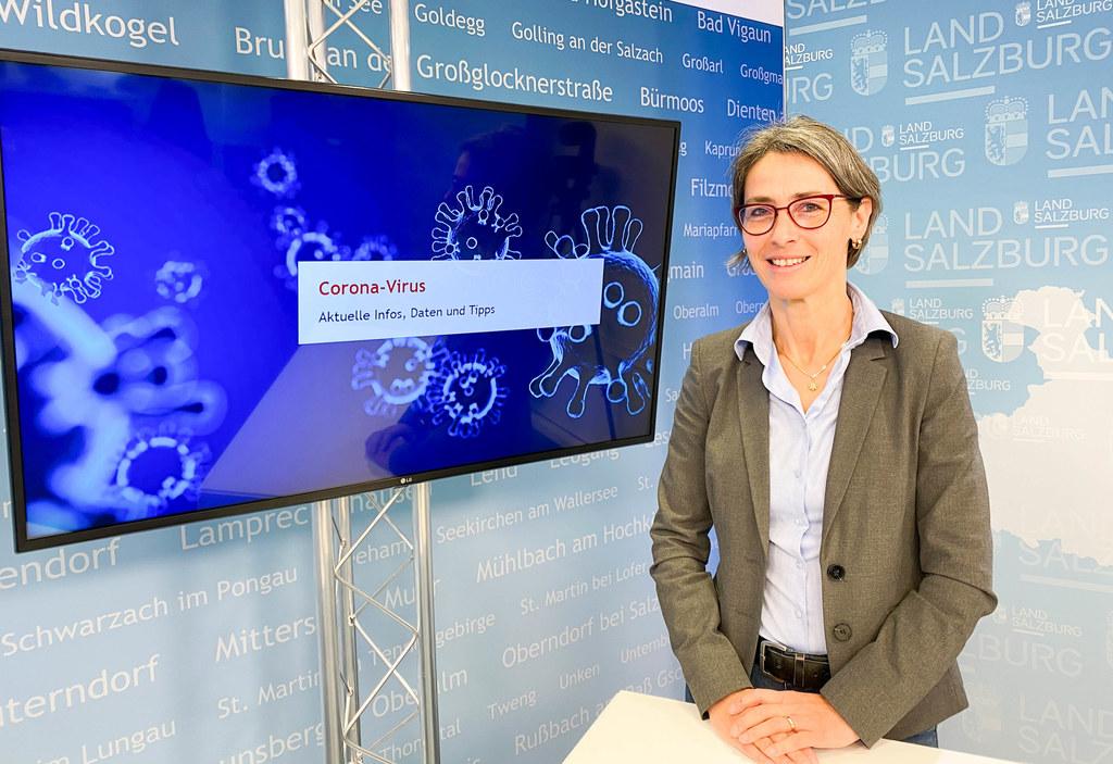 Landessanitätsdirektorin Petra Juhasz sprach im Videostudio über die Corona-Impfung und die immer noch sehr hohe Zahl an Neuinfektionen in Salzburg.