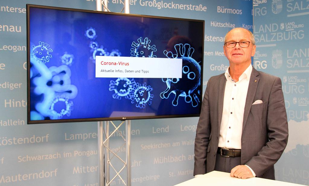 Landeshauptmann-Stellvertreter Christian Stöckl erinnert als Gesundheitsreferent daran, dass in Salzburg zahlreiche Maßnahmen nach wie vor gelten, um Neuinfektionen mit dem Corona-Virus bestmöglich zu vermeiden.