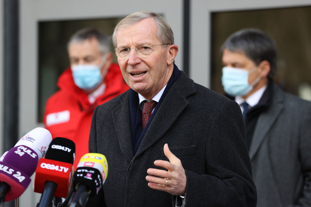 Das Medieninteresse am Dienstag war groß. LH Wilfried Haslauer legte die Tests in Annaberg-Lungötz am 1. und 2. Dezember fest.