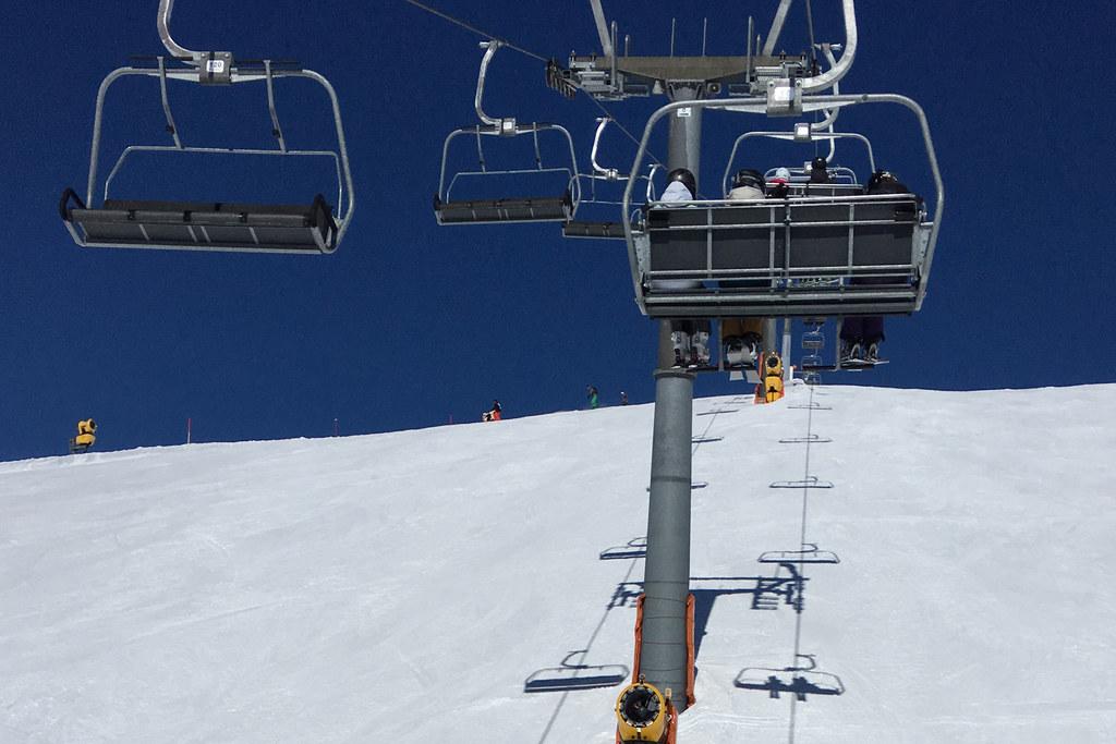 Skifahren wird ab dem 24. Dezember nur für Einheimische möglich sein. Wenn die Infektionszahlen weiter zurückgehen, ist eine Wintersaison ab Jänner möglich.