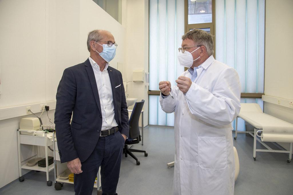 LH-Stv. Christian Stöckl und der Präsident der Ärztekammer Salzburg, Karl Forstner.